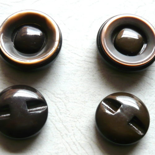 Bottoni primi anni 60 in resina