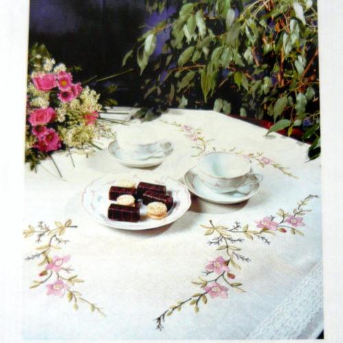 Tovaglia -Sarah Handarbeit- Da Ricamare A Punto Croce ( Kit Completo)